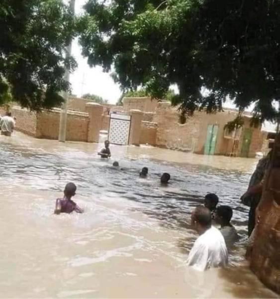 أمطار وسيول عارمة تجتاح العاصمة السودانية
