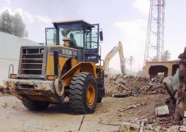أمانة الجوف تواصل إزالة المباني الآيلة للسقوط بسكاكا