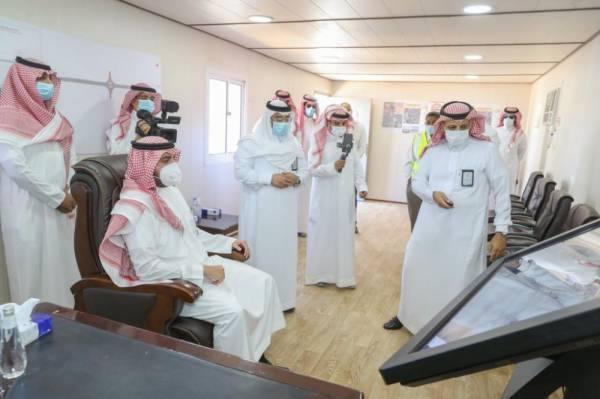 أمير الجوف يقف على المشاريع التنموية ويؤكد أهمية التنفيذ وَفْق المعايير