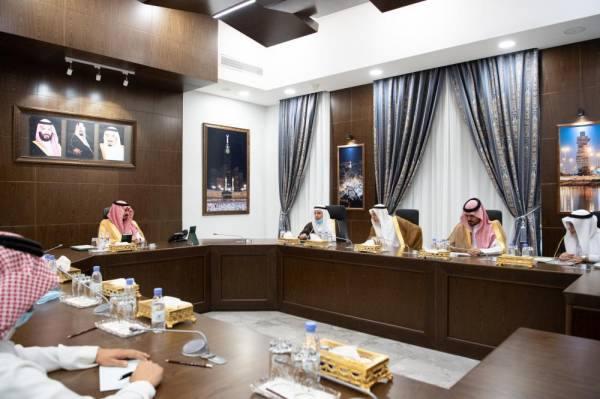 نائب أمير مكة يطلع على خطط جامعات المنطقة