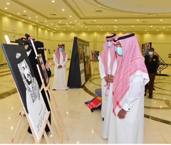 نائب أمير حائل يدشن المعرض التشكيلي المتزامن مع اليوم العالمي للشباب