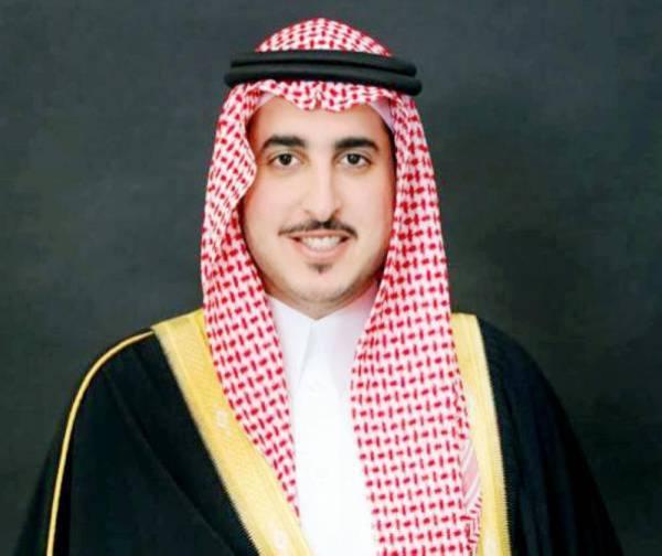 أمير الجوف يطمئن على صحة الشيخ فوزي بن دعيجاء