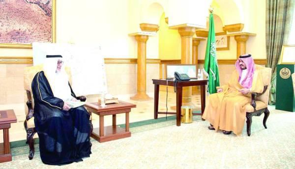 بدر بن سلطان خلال الاستقبال
