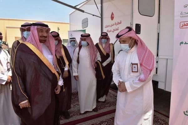 أمير نجران يدشن عربات الصحة المتنقلة ويطلق حملة للتبرع بالدم