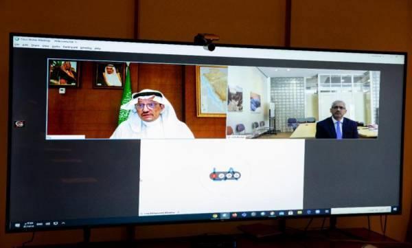 وزير التعليم يبحث مع السفير الأسترالي زيادة الجامعات والطلاب بين البلدين