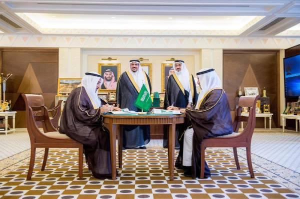 فيصل بن مشعل يشهد توقيع اتفاقية لدراسة مشروع جوهرة القصيم