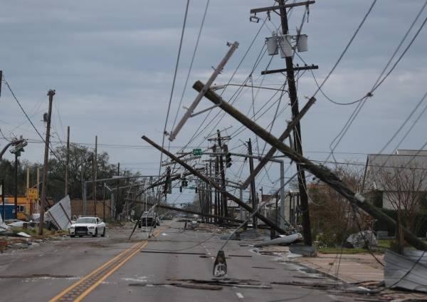 ترامب يعلن حالة الطوارئ في ولاية أركنساس نتيجة إعصار