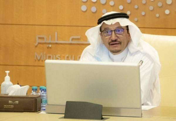 وزير التعليم يبحث جاهزية 250 ألف فصل افتراضي للعام الجديد