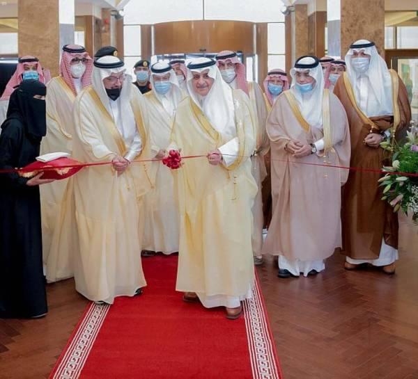 أمير تبوك يرعى توقيع اتفاقيات جامعة فهد بن سلطان ويفتتح فندق المدينة الجامعية