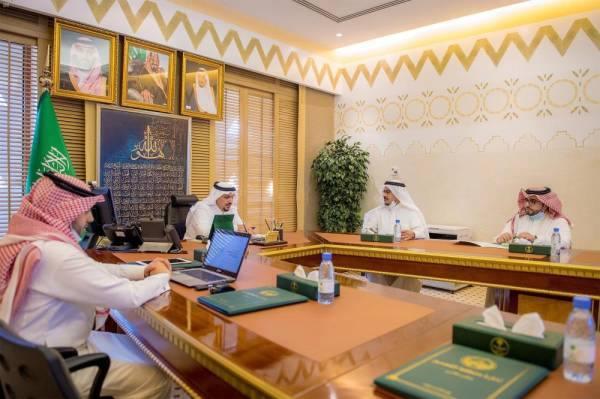 أمير القصيم يطلع على مؤشرات قياس أداء الجهات الحكومية بالمنطقة