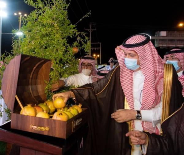 أمير الباحة يفتتح مهرجان الرمان.. وأكثر من 100 عارض يقدمون منتجاتهم