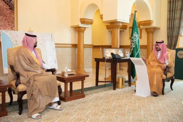 نائب أمير مكة يطلع على مخرجات حلقة نقاشية حول بيانات قطاعات المنطقة