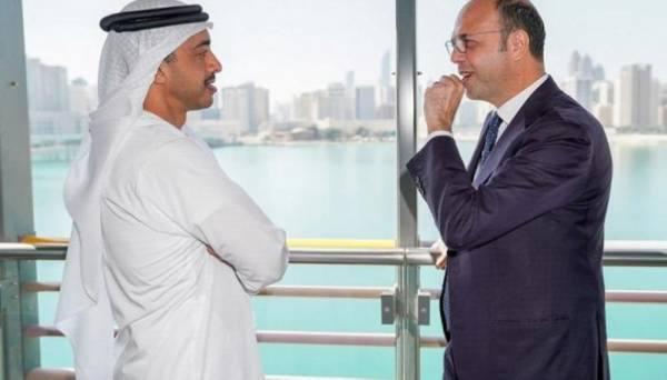 وزير خارجية الإمارات يبحث مع نظيره الإيطالي تطورات الأوضاع بالمنطقة