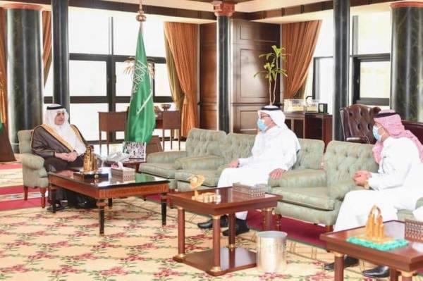 أمير تبوك يطلع على مشاريع وإنجازات جمعية التوحد بالمنطقة