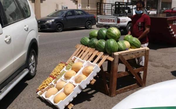 مكة المكرمة : مصادرة 460 كجم مواد غذائية تالفة في الزاهر والستين والنزهة