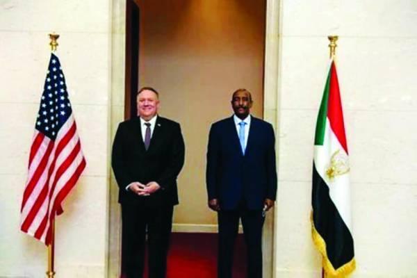 البرهان يستقبل وزير الخارجية الأمريكي بومبيو في الخرطوم