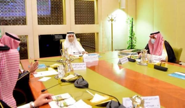 أمير الرياض يطلع على دراسة لمعهد الإدارة حول نهج البيانات المفتوحة