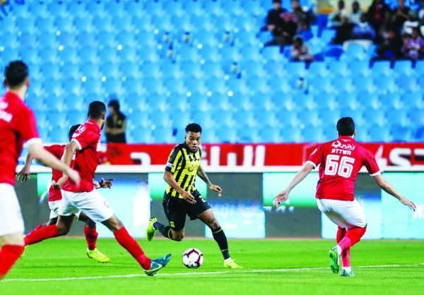 رودرجيز يقود هجمة اتحادية في مباراة سابقة له  أمام الرائد