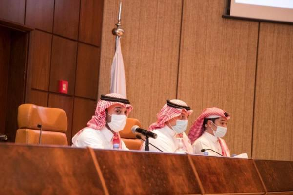 وزير الرياضة يبحث مع رؤساء أندية دوري المحترفين استراتيجية الدعم للموسم الجديد
