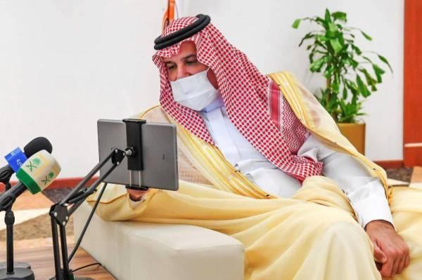 أمير المدينة يؤكد حرص حكومة خادم الحرمين على تحقيق رفاهية المواطنين