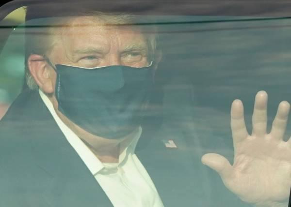 ترامب يطلق عاصفة تغريدات انتخابية بانتظار خروجه من المستشفى اليوم