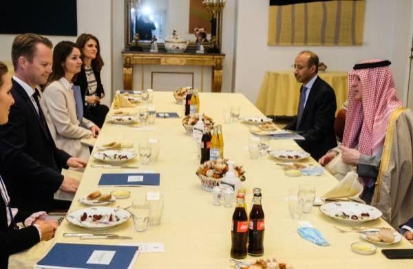 الجبير يبحث مع وزير خارجية الدنمارك التطورات الإقليمية والدولية