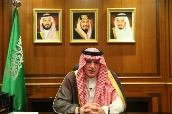 الجبير يستعرض جهود المملكة في مواجهة تحديات كورنا في منتدى باريس للسلام