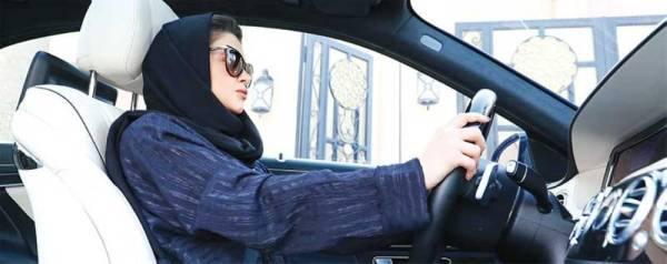 تمكين المرأة يفتح آفاق المواقع القيادية والإبداع للسعوديات