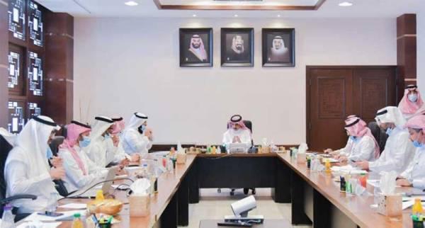 رئيس جامعة أم القرى يقف على تجهيزات البيئة الإدارية لوكالة الجامعة والمنظومات التابعة لها