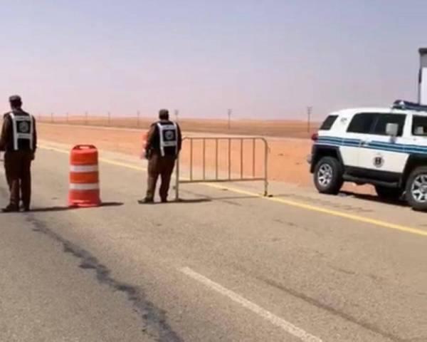 أمن الطرق يضبط 20 شخصاً و20 شاحنة محملة بالحطب المعد للبيع
