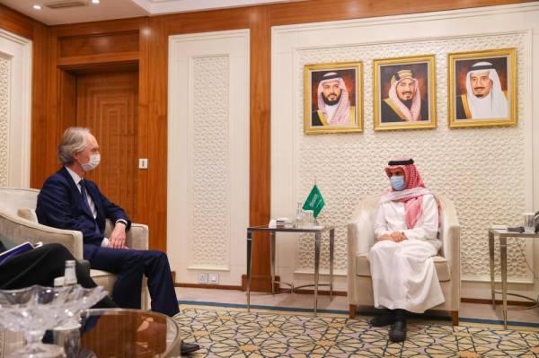 وزير الخارجية يبحث مع غير بيدرسون مستجدات الأزمة السورية