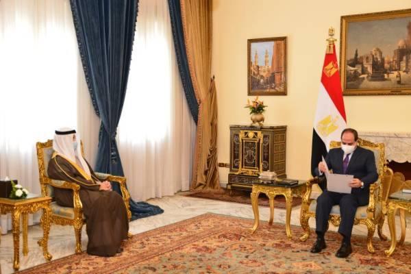 السيسي يبحث آخر المستجدات الإقليمية مع وزير خارجية الكويت