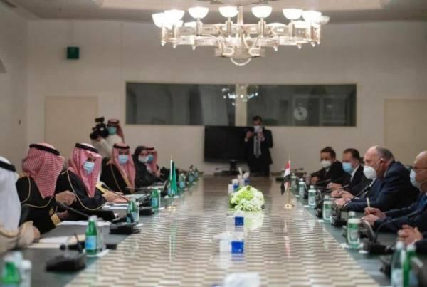 لجنة المتابعة والتشاور السياسي بين المملكة ومصر تؤكد على على أهمية ضمان حرية الملاحة في الخليج العربي وباب المندب والبحر الأحمر