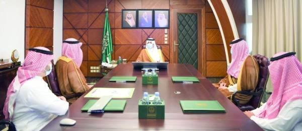 سعود بن نايف خلال اللقاء