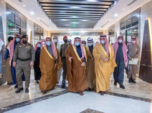 الأمير فيصل بن مشعل لدى وصوله مقر الندوة