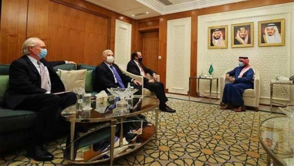 وزير الخارجية يستقبل مساعد وزير الخارجية الأمريكي