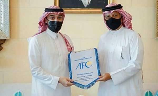 وزير الرياضة يلتقي برئيس الاتحاد الآسيوي لكرة القدم في البحرين
