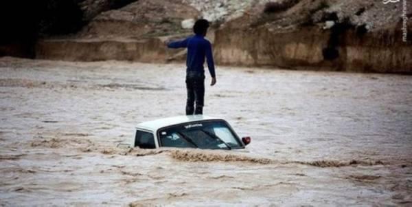 7 قتلى في فيضانات  فارس وبوشهر جنوبي إيران