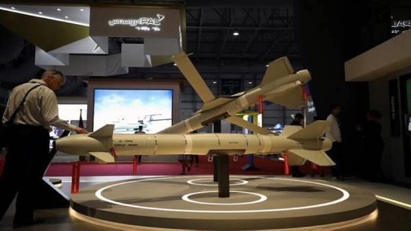 الإمارات ضمن أكبر 25 شركة مصنّعة للأسلحة في العالم