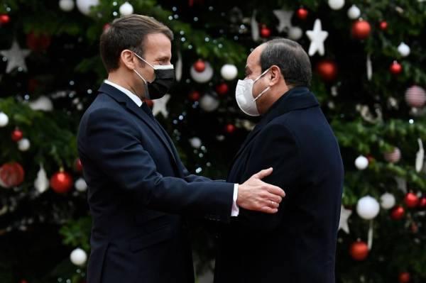 السيسي من الإليزيه : قضايا شرق المتوسط تتطلب التشاور مع فرنسا