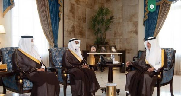 الفيصل خلال استقبال رئيس هيئة حقوق الإنسان