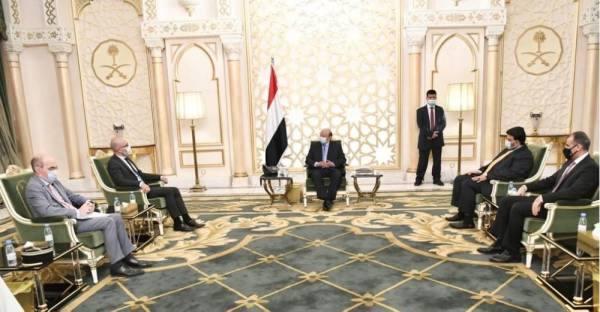 الرئيس اليمني: اتفاق الرياض يهدف إلى حقن الدماء وتوحيد الجهود في مواجهة الحوثيين