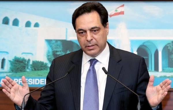 الادعاء على رئيس حكومة تصريف الاعمال وثلاثة وزراء سابقين في قضية انفجار مرفأ بيروت