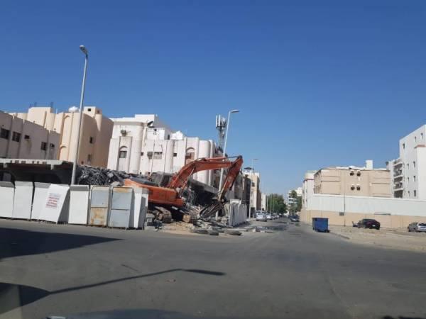 إلزام مواطن بإزالة مبنى مخالف في جدة الجديدة