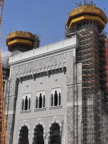 إنجاز 45 % من منارتي باب الملك عبدالعزيز بالمسجد الحرام