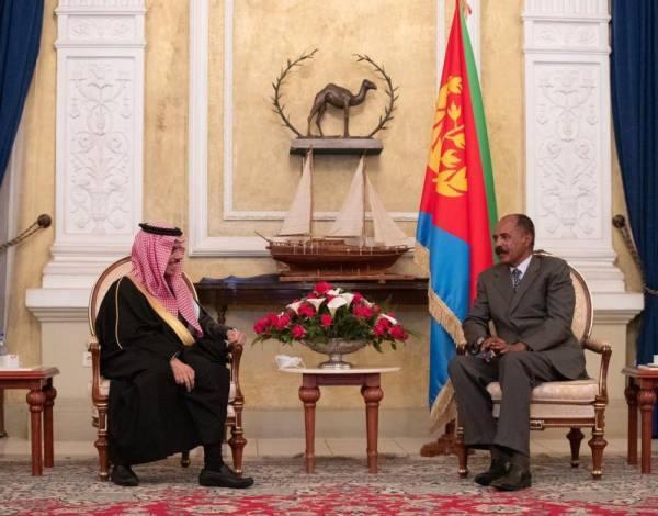 وزير الخارجية يبحث مع رئيس إريتريا سبل تعزيز العلاقات الثنائية