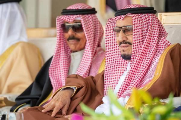 خادم الحرمين يهنئ أمير الكويت بتشكيل الحكومة (هاتفيًا)