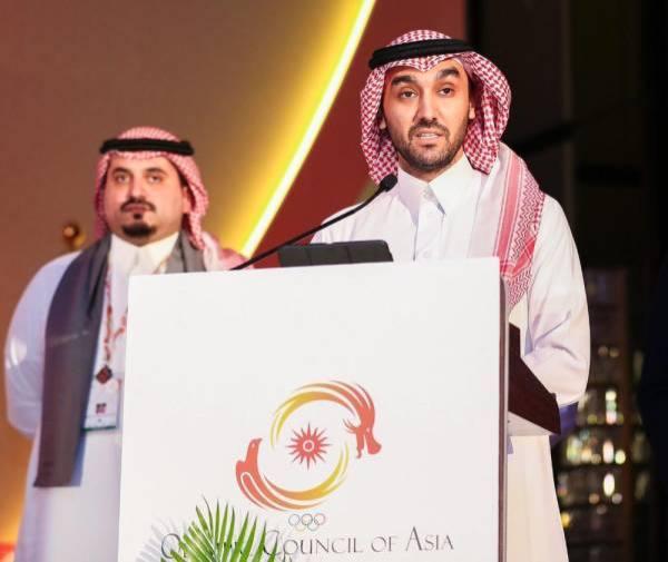وزير الرياضة يهنئ القيادة بمناسبة استضافة الرياض للألعاب الآسيوية 2034