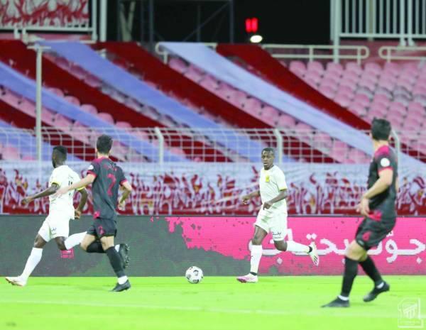 سعود عبدالحميد يقود هجمة اتحادية في مباراة الاتحاد والوحدة الدورية الأخيرة