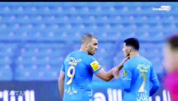 اشتباك الغنام وحمدالله في مباراة الرائد أمس الأول